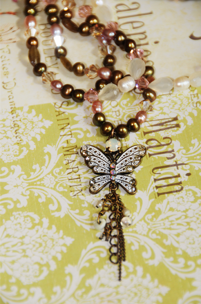 white butterlfy pendant necklace web
