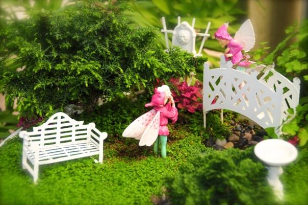fairies-on-bridge