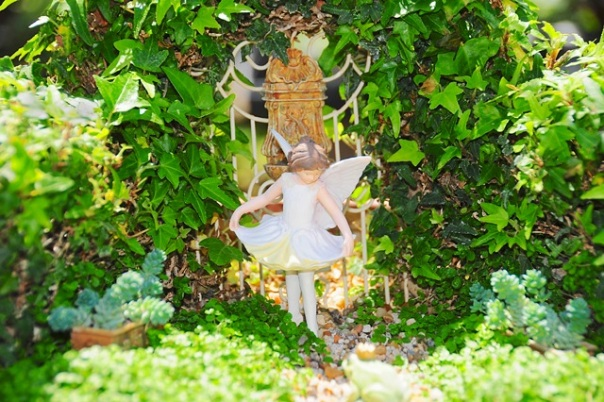 fairy-dancing-in-garden