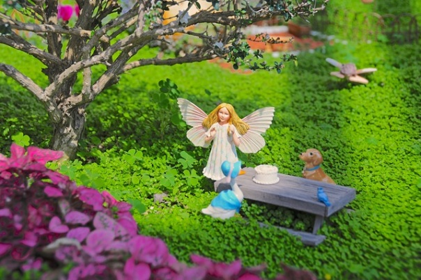 fairy-picnic-in-the-park