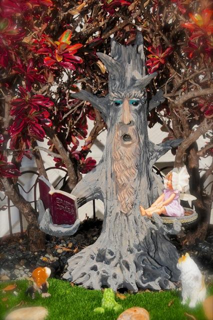 fairy-with-tree-w