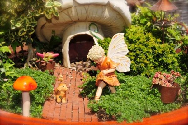 mushroom-house-fairy-boy